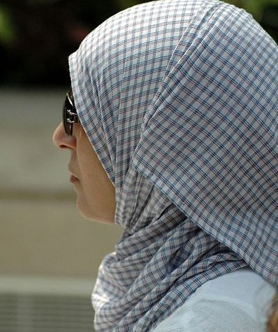 hijab_woman_liverpool-398x475.jpg