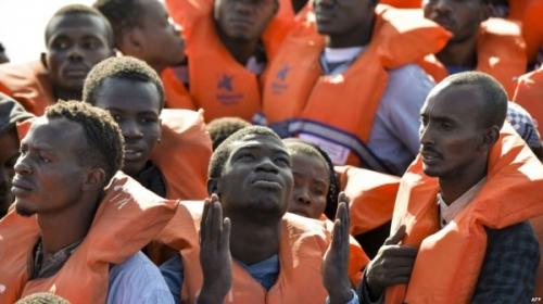 migrants-C81011A9-1A88-4C03-8A9E-E8EA6817BAF4_w1023_r1_s-600x337.jpg