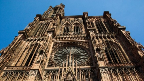 strasbourg_cathedral_gothic_middle_ages_stained_glass-862365-845x475.jpg