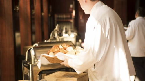 waiter_bread_deliver_serve_food_restaurant_service_man-781504-1.jpgd_-845x475.jpeg