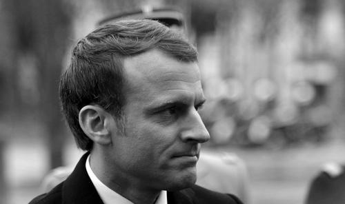 800px-Emmanuel_Macron_12-800x475.jpg