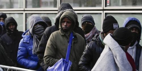 La-loi-asile-et-immigration-ne-satisfait-personne-600x300.jpg