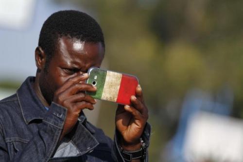 Migrants-Italie-Smartphone-600x400.jpg