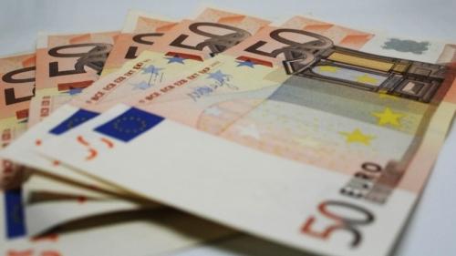euro_money_rich_italy_italian_republic_wealth_bills_50_euros-1204575-845x475.jpg