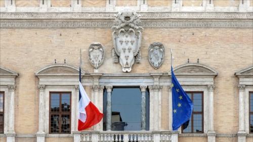 Le_Palais_Farnèse_à_Rome_5974705410-845x475.jpg