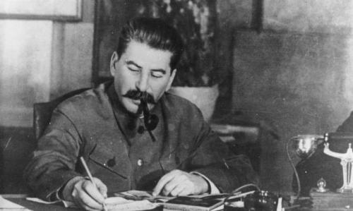 Bundesarchiv_Bild_183-R80329_Josef_Stalin-792x475.jpg