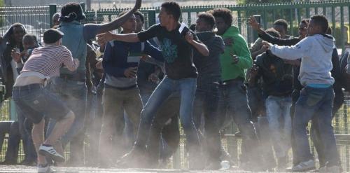 7598500-migrants-a-calais-ils-sont-dans-une-logique-de-survie.jpg