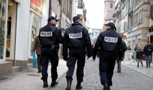 800px-Police-IMG_4105-800x475.jpg