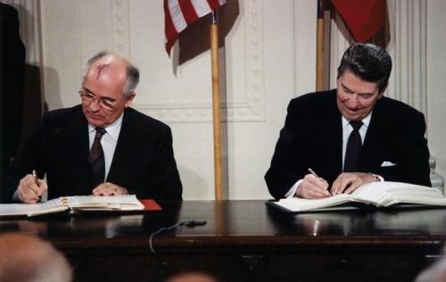Reagan_and_Gorbachev_signing-750x475.jpg