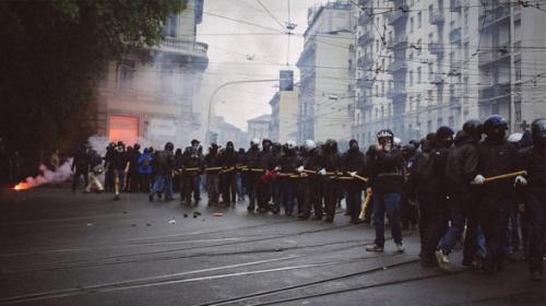 black-blocs-antifas-davocratie-2-588x330.jpg