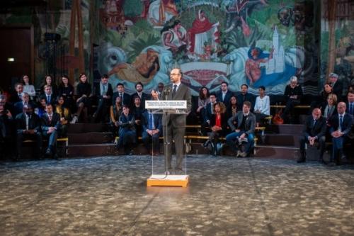 Premier-ministre-Edouard-Philippe-presente-lutte-contre-racisme-lundi-19-2018_0_728_485-600x400.jpg